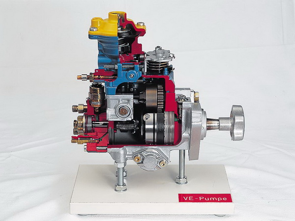 distributor-type fuel-injection pump with charging-pressure control