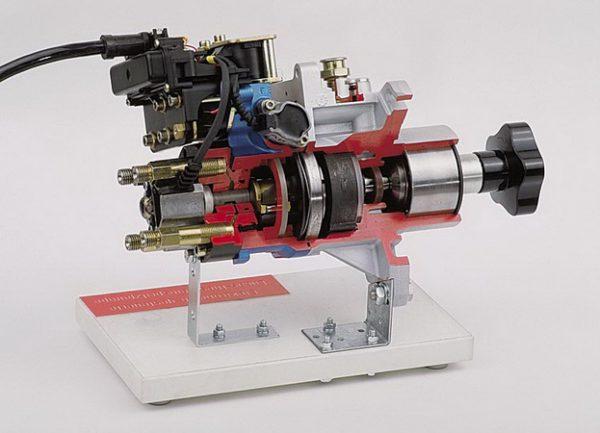 Elektronisch gesteuerte LUCAS-Pumpe