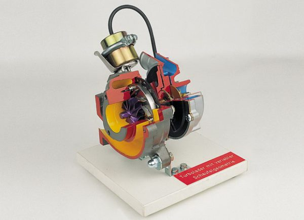 turbocharger with variable blade geometry