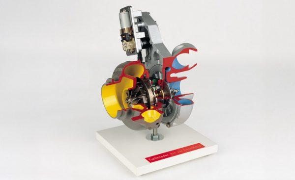 turbo-charger with variable geometry and electrical control motor