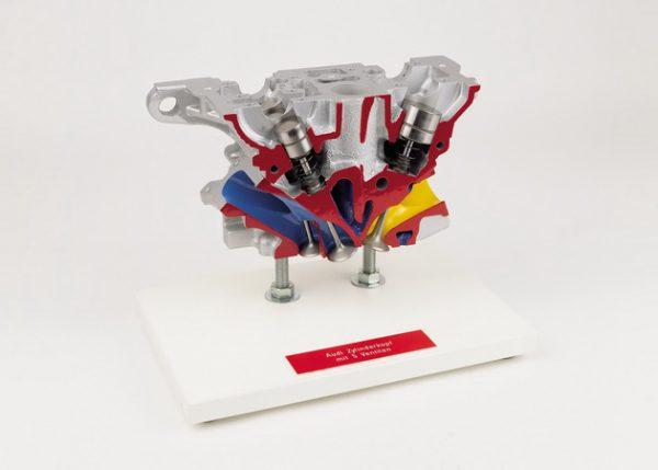 Audi Zylinderkopf mit 5 Ventilen