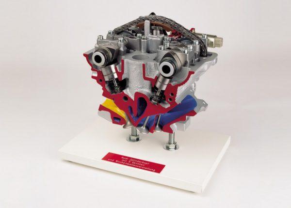 Audi Zylinderkopf mit 5 Ventilen und  Nockenwellenverstellung