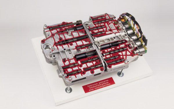 elektronisch gesteuertes Schaltschiebergehäuse eines Automatikgetriebes