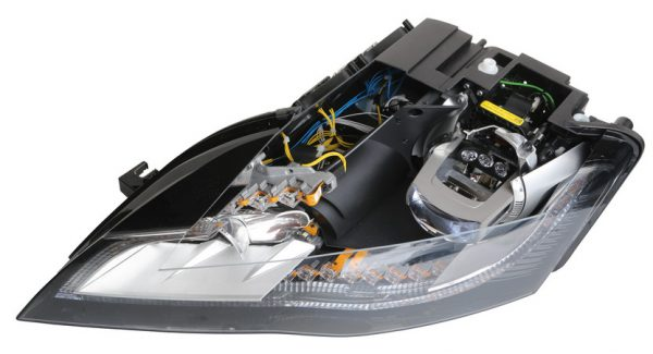 Full-LED-Headlight with daytime running light (Audi R8)